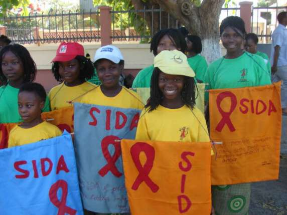 202 aids day pedra banners r.jpg