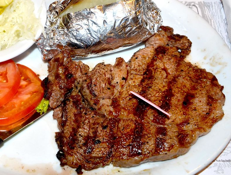File:Lumberjack 8oz New York Strip Steakhouse Sandwich no bun Baked Potato DSC 0233.jpg